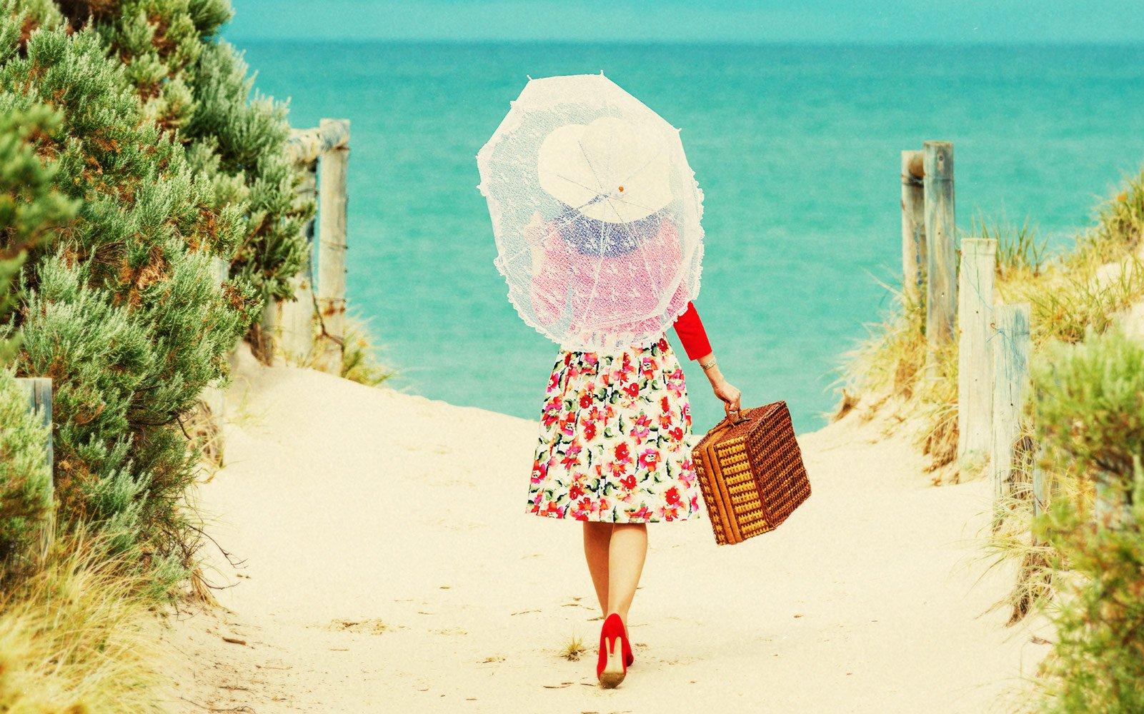 картинка с чемоданами на море скоро украинские курортные
